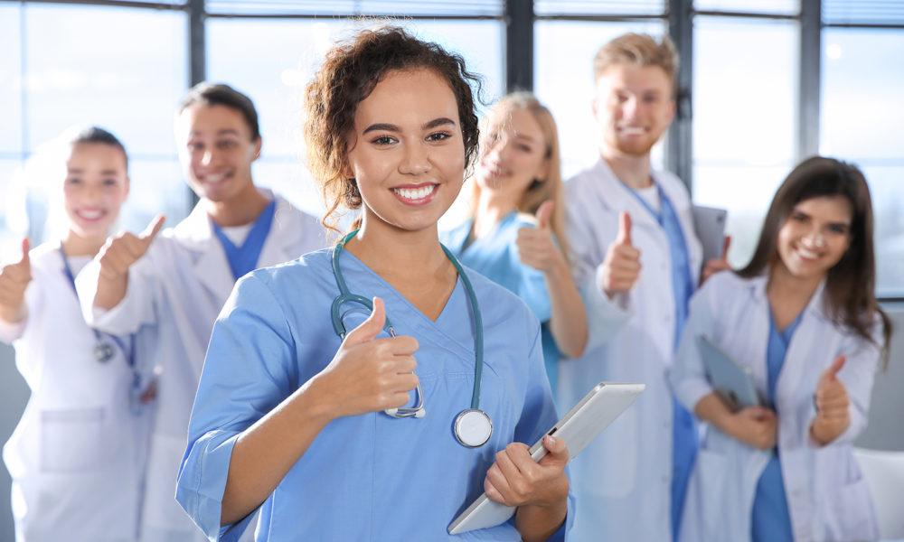 What Are The Various Pros And Cons Of A Nursing Career? Check Here!